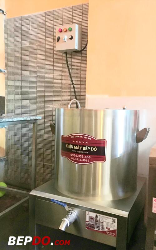 Bếp công nghiệp thường xuyên sử dụng nồi điện của Bếp Đỏ