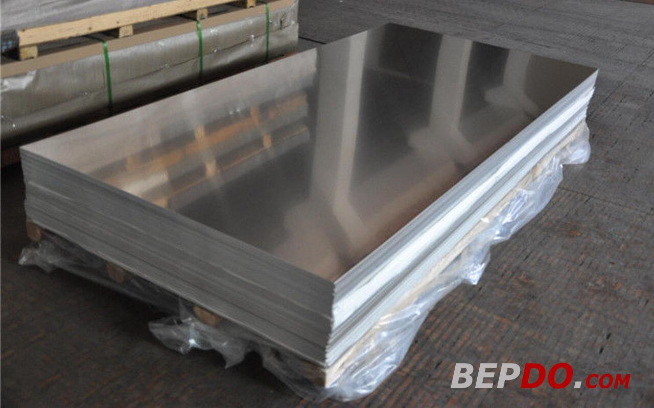 inox 304 nhập khẩu được cắt tấm trước khi sản xuất