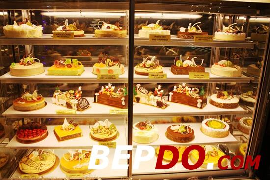 tủ trưng bày bánh kem 5 tầng