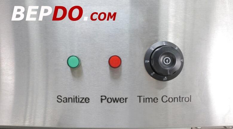 hệ thống điều khiển cùng đèn báo trực quan